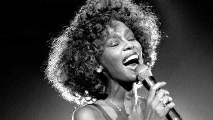 whitney_houston_obit_p11