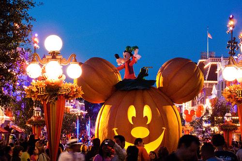 parigi-halloween-estero